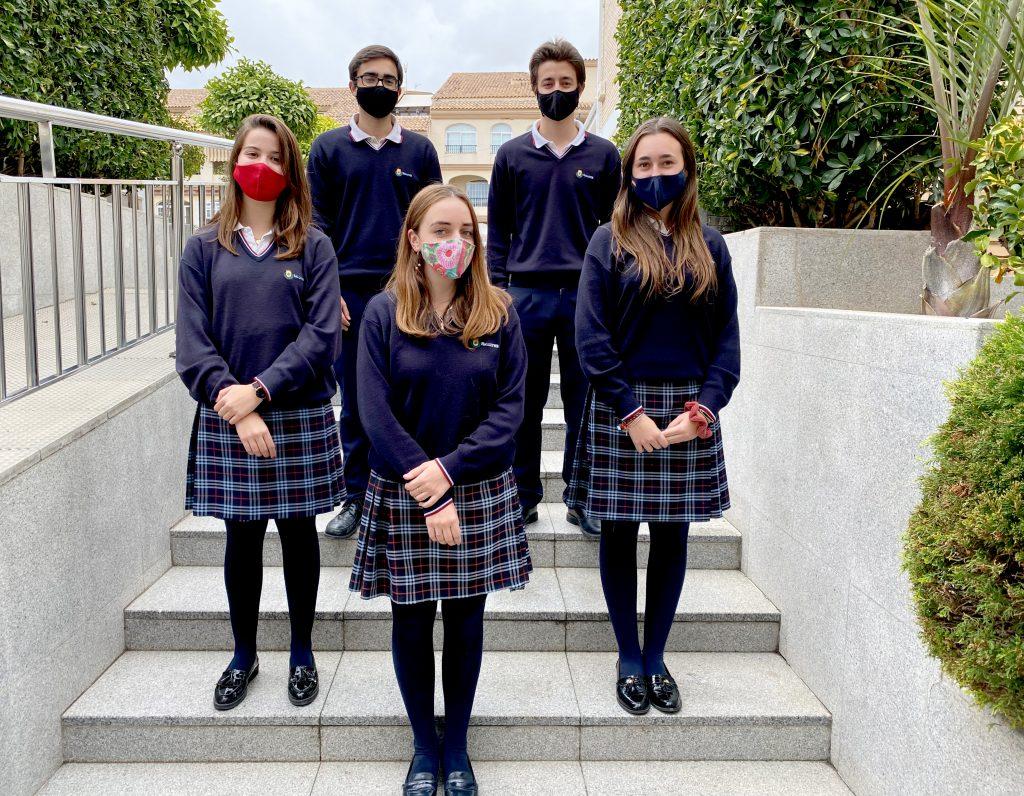 Ginsburg equipo ganador de la Liga de Debate Preuniversitario CICAE – UCJC